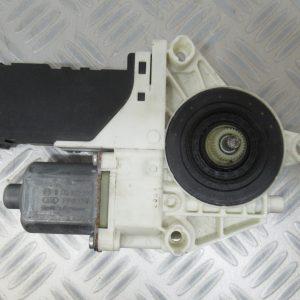 Moteur leve vitre AV D Bosch Peugeot 407 2,0 HDI 16v 136cv 1137328127 / 0130822201