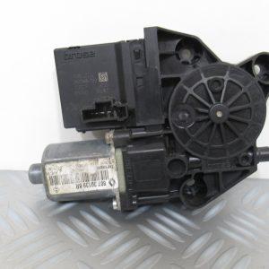 Moteur leve vitre AV D Renault Megane 3 807301396R / 912462-200