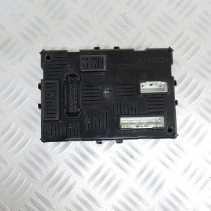 Boitier BCM Johnson Controls Renault Clio 3 Phase 1  8200652285