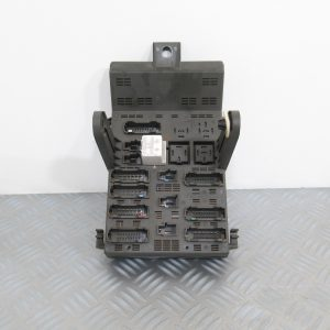 Boitier Fusibles Renault Laguna 1.8L Ess 7703197962