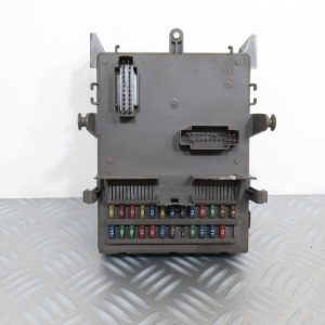 Boitier Fusibles Renault Laguna 2  8200148809 / 8200004201
