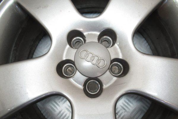 Jante Audi A3 5 trous 16 pouces 2