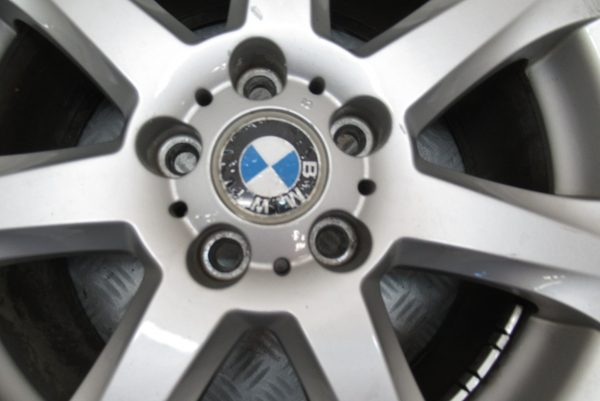 Jante alu 17 pouces 5 trous BMW Serie 3 E46 1