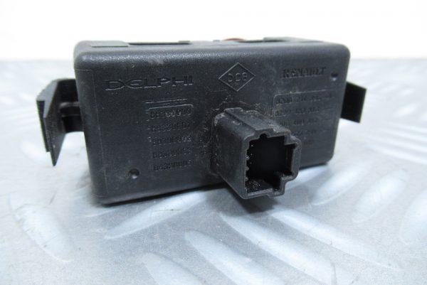 Bouton warning Renault Kangoo 2 (820214896)