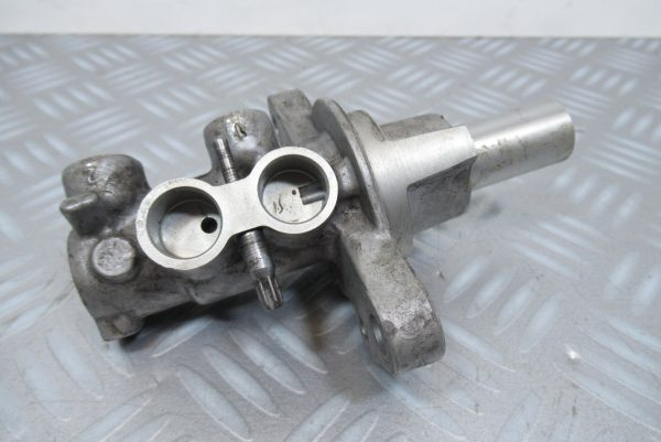 Maitre cylindre Renault Kangoo 2 (0204Y24321)