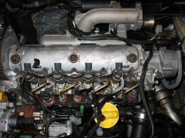 Moteur 1.9 DCI 120cv F9Q820