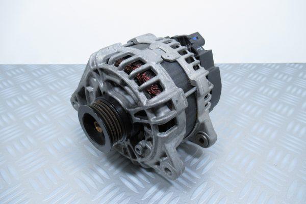 Alternateur Bosch Mercedes Classe A W176 0986082150