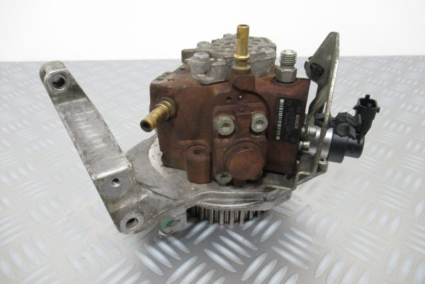 Pompe injection Bosch Peugeot Partner 1,6 HDI  0445010102 / 9656300380