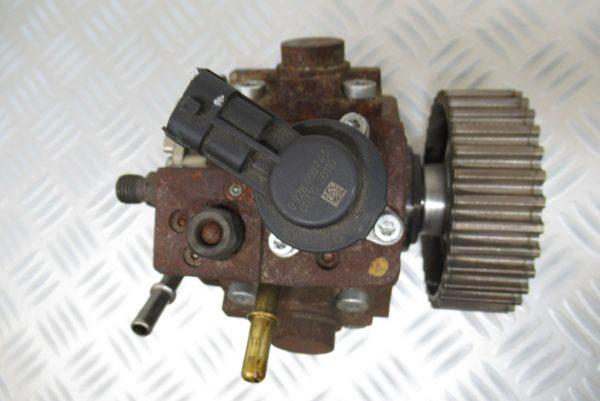 Pompe injection Bosch Renault Megane 3 1,9 DCI  0445010218 / 8200945033