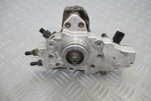 Pompe injection Bosch Mercedes Vito diesel  0445010078 / A6460700101