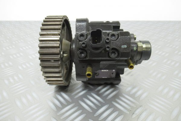 Pompe injection Bosch Peugeot 306 2,0 HDI  0445010010