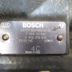 Pompe injection Bosch Renault Megane 1,9 DCI  0445010018 / 7700111010