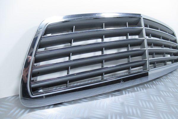 Calandre Mercedes Classe E W211 A2118800383