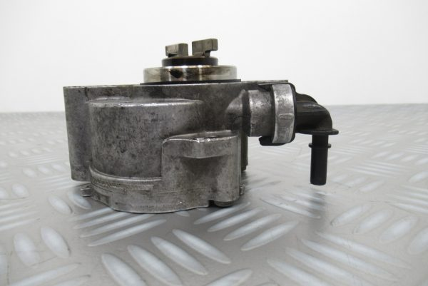 Pompe a vide Bosch Peugeot 207 1,6 HDI  D156-3B