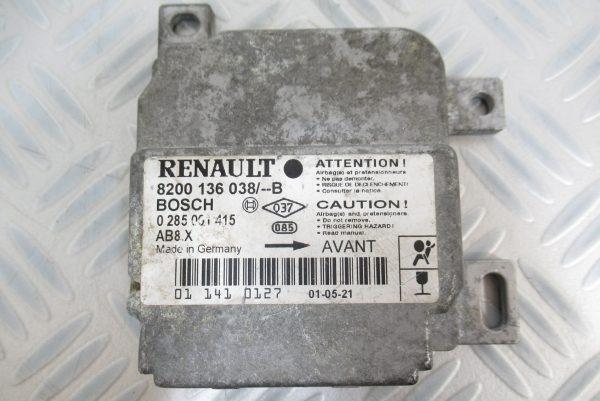 Calculateur d'airbag Renault Clio 2 8200136038