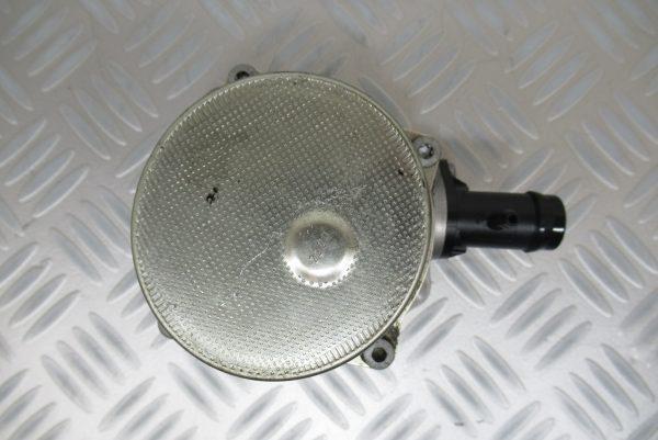 Pompe a vide Pierburg Renault Laguna 1,5 DCI 110CV  700670302 / 8201005306-B