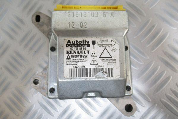 Calculateur d'airbag Renault laguna 2 8200138952