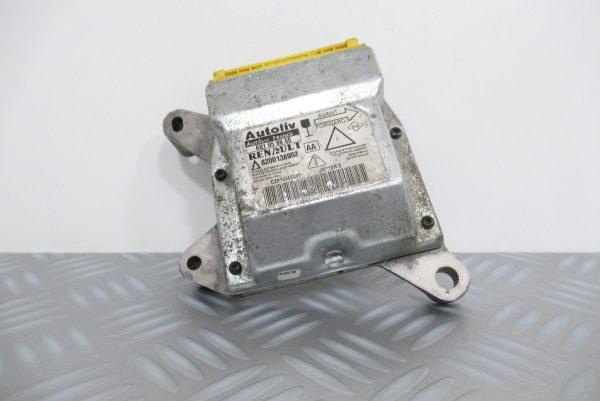 Calculateur d'airbag Renault Laguna 2 / 8200138952