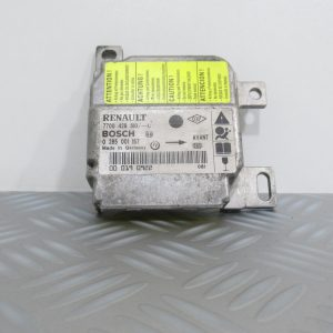 Calculateur d'airbag Bosch Renault CLio 2 7700428310 / 0285001157