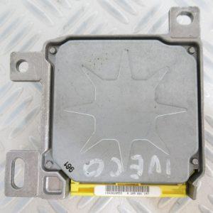 Calculateur d'airbag Bosch Renault CLio 2 7700428310 / 0285001157