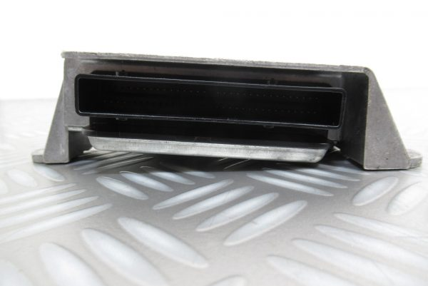 Calculateur d'airbag Renault Megane 2 8200411004 / 604289600