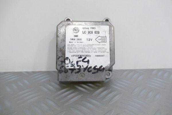 Calculateur d'airbag Volkswagen Golf 4 1J0909609 / 5WK42800