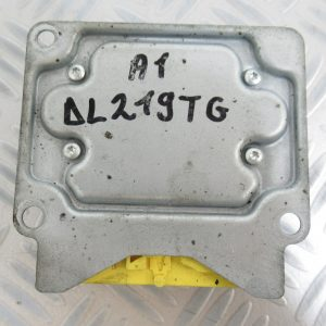 Calculateur d'airbag Bosch Audi A1 0285011212 / 8X0959655B