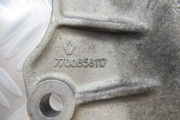 Support moteur Renault Laguna 2,2 DT  7700858117