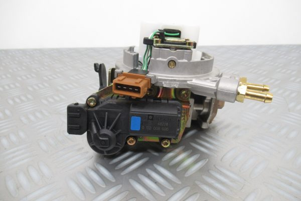 Carburateur mono point Bosch Renault Laguna 1  1,8 Essence  0438201163 / 7700861209