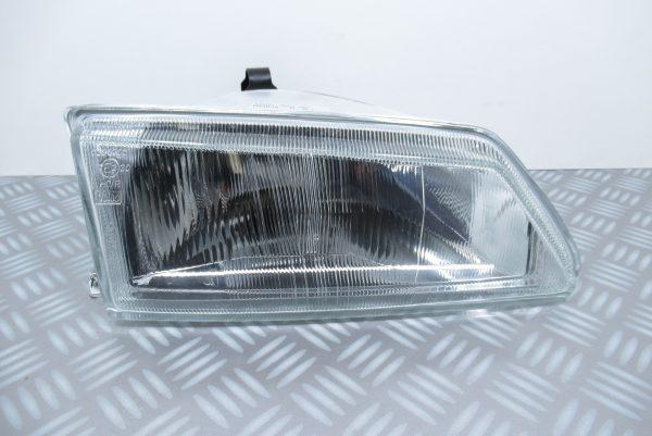 Optique avant droit Peugeot 084638