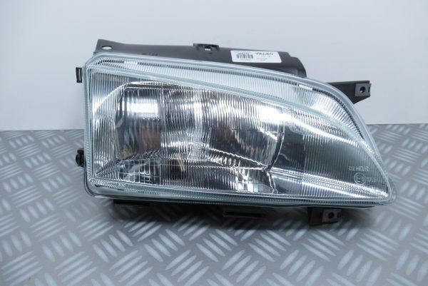 Optique avant droit Peugeot 086376