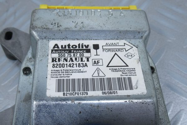 Calculateur d'airbag Renault Laguna 2 8200142183