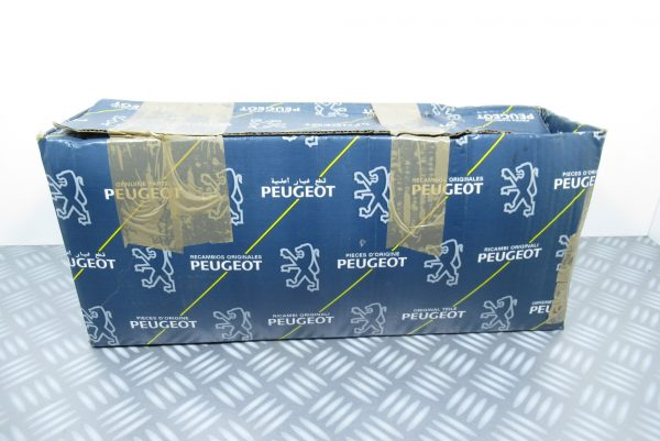 Feu arriere gauche Peugeot 6350.84