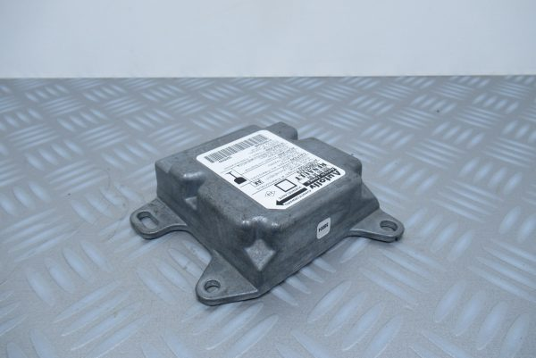 Calculateur d'airbag Renault Megane 1 Phase  1 7700437475