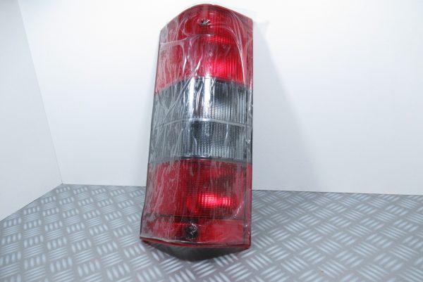 feu arriere gauche Peugeot 6350.C2