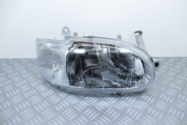 Optique avant droit Ford 205035082
