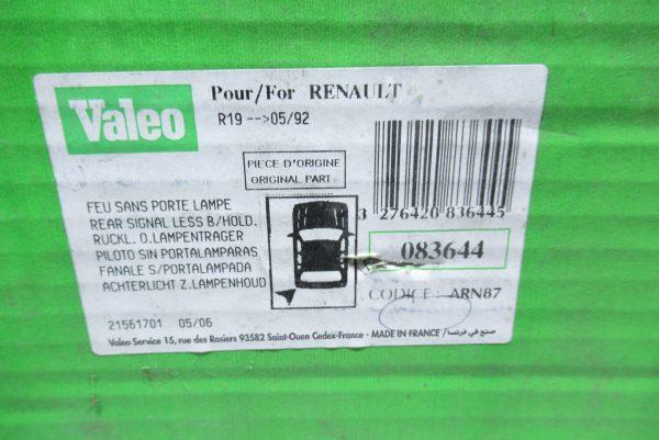 Feu arriere gauche Renault 19 083644