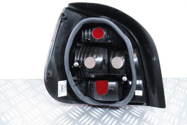 Feu Arriere droit Renault Scenic 087563