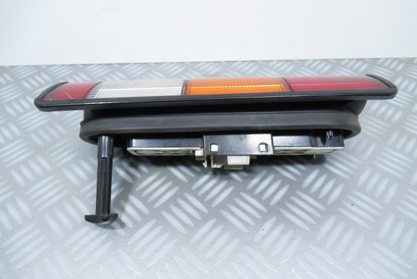 Feu Arrière droit Renault Express 7701031916