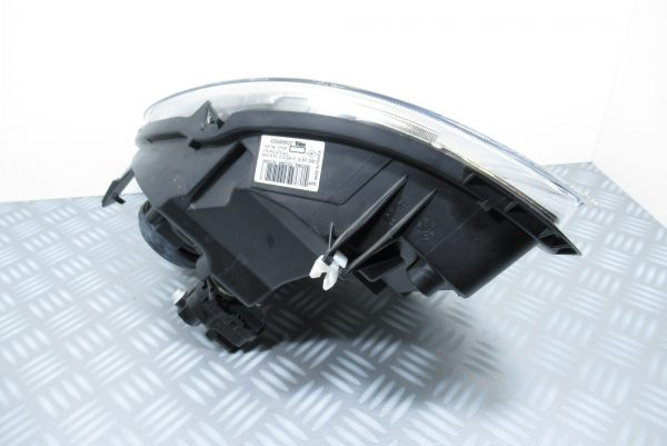 Optique avant gauche Renault Kangoo 8200589032