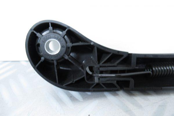 Bras d'essuie glace arrière // Renault Velsatis 1 \\ 8200017388