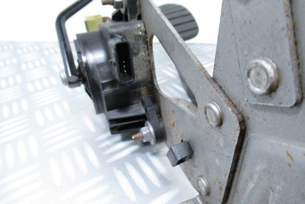 Pédalier d'accelerateur et de frein Renault Kangoo 2 8200436864