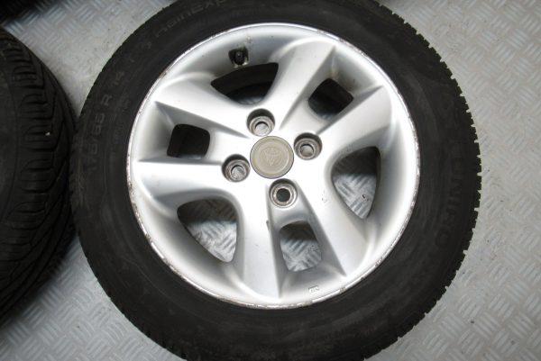 Jantes alu x4 d'origine Toyota Yaris 175×75 R14