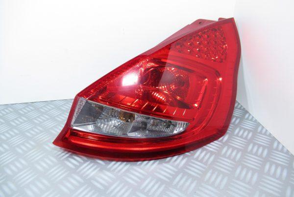 Feu arriere droit Ford Fiesta 6 8A6113404